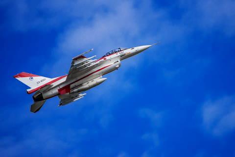 #121 F-2 初号機.JPG